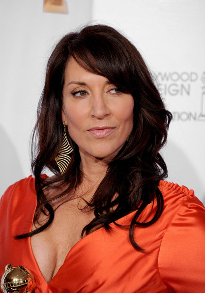 Katey Sagal wore her hair in high-volume waves at the Golden Globes.