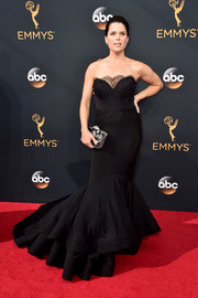 Neve Campbell was a classic beauty at the Emmys in a strapless black mermaid gown with lace detailing.