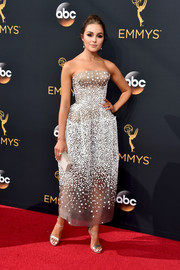 Olivia Culpo looked gorgeous (as always) in a beaded strapless dress by Zac Posen during the Emmy Awards.