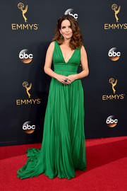 Tina Fey was a green goddess in this Oscar de la Renta Grecian gown during the Emmys.