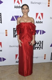 Angela Sarafyan was a vision in a red off-the-shoulder column dress by Khyeli at the 2019 ACE Eddie Awards.