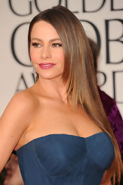 Sofia Vergara wore her ultra-long tresses sleek and straight at the 69th Annual Golden Globe Awards.
