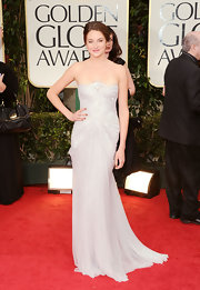 Shailene Woodley looked divine in this pale chiffon gown at the Golden Globe Awards.