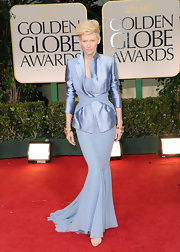 Tilda Swinton looked striking at the Golden Globes in a lilac ensemble.