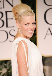 Busy Phillips wore her hair in a voluminous French twitst at the 69th Annual Golden Globe Awards.
