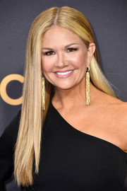 Nancy O'Dell wore her hair down in a sleek straight style at the 2017 Emmys.
