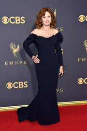 Susan Sarandon sported a classic silhouette in this navy off-the-shoulder gown by Zac Posen at the 2017 Emmys.