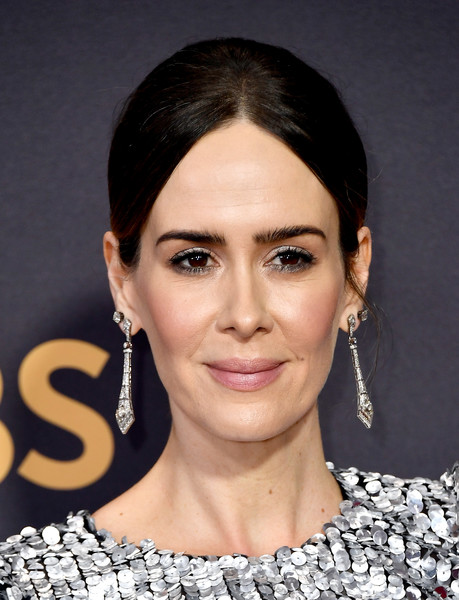 Sarah Paulson went old school with this center-parted chignon at the 2017 Emmys.