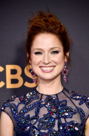 Ellie Kemper rocked a windblown updo at the 2017 Emmys.