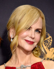 Nicole Kidman went for a romantic side chignon when she attended the 2017 Emmys.