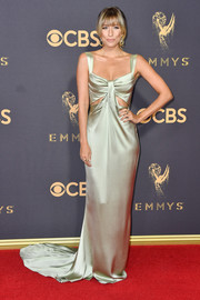 Renee Bargh was oozing with sophistication in a pale mint satin gown with a pair of midriff cutouts at the 2017 Emmys.