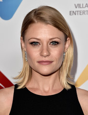Emilie De Ravin attended the Australians in Film Award wearing her hair in a neat side-parted style with flippy ends.
