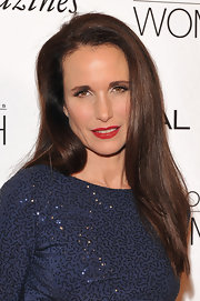 Andie Mac Dowell wore her sleek, silky tresses straight with a side part at the 6th Annual L'Oreal Paris Women of Worth Awards.