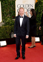 Jesse Tyler Ferguson was a classically handsome Hollywood man in this polished tuxedo.