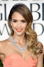 Jessica wore her ombre locks down in buoyant, bouncy curls for the 2013 Golden Globe Awards.