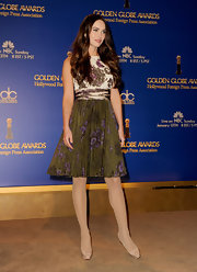 Megan dressed sweetly in green florals for the Golden Globe Awards Nominations.