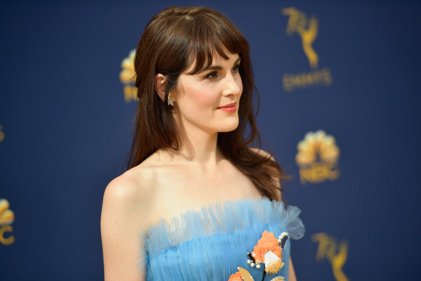 More Pics of Michelle Dockery Long Straight Cut with Bangs (1 of 13) - Long Hairstyles Lookbook - StyleBistro [hair,hairstyle,beauty,yellow,shoulder,lady,brown hair,joint,long hair,bangs,arrivals,michelle dockery,emmy awards,70th emmy awards,microsoft theater,los angeles,california]