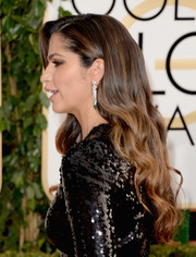 Camila Alves wore her hair down in a cascade of waves during the Golden Globes.