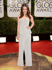Emilia Clarke exuded classic glamour in a black-and-white Proenza Schouler strapless gown during the Golden Globes.
