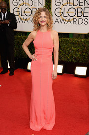 Kyra Sedgwick's sleeveless pink column dress at the Golden Globes had a sporty-chic feel.