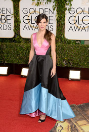 Sandra Bullock looked darling in a color-block Prabal Gurung gown during the Golden Globes.