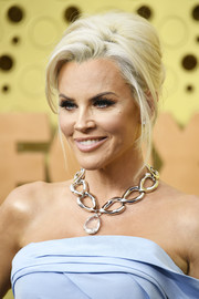 Jenny McCarthy channeled the '60s with this beehive at the 2019 Emmys.