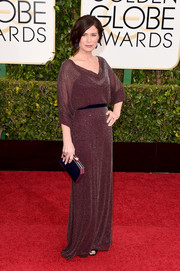 Maura Tierney was all about easy-breezy glamour in a micro-beaded marsala cowl-neck gown by Jenny Packham during the Golden Globes.