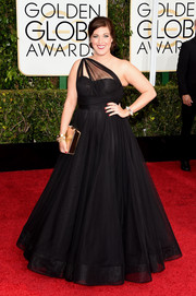 Allison Tolman looked absolutely grand in a voluminous black one-shoulder gown during the Golden Globes.