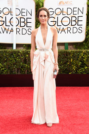 Louise Roe donned an ivory Jenny Packham halter gown, boasting plenty of seductive appeal with its deep-V plunge and drapey detailing, for the Golden Globes.