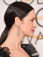 Caitriona Balfe opted for a simple low ponytail when she attended the Golden Globes.
