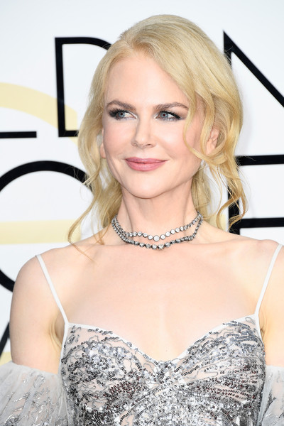 NIcole Kidman complemented her sequin dress with a layered diamond necklace by Fred Leighton.