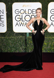 Blake Lively was a stunner in a black and gold fishtail gown by Atelier Versace at the Golden Globes.