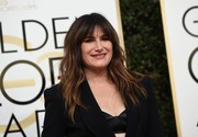 Kathryn Hahn attended the Golden Globes wearing her signature wavy cut with bangs.