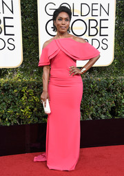 Angela Bassett looked very feminine in a pink cold-shoulder gown by Christian Siriano at the Golden Globes.