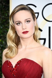Brie Larson nailed Old Hollywood elegance with this wavy 'do at the Golden Globes.