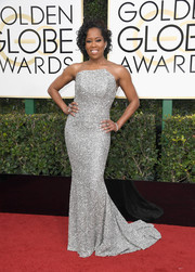Regina King got all sparkled up in a beaded strapless gown by Romona Keveza for the Golden Globes.