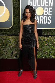 Kerry Washington shimmered at the 2018 Golden Globes in a Prabal Gurung strapless sequin dress with a high slit and a gathered waist.