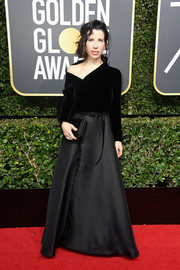 Sally Hawkins went the modern route in a dual-textured Dior Couture gown with an asymmetrical neckline at the 2018 Golden Globes.