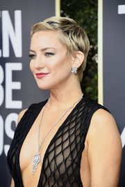 Kate Hudson was dripping with Harry Winston diamonds at the 2018 Golden Globes.