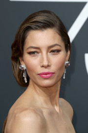Jessica Biel made her pout pop with a swipe of pink lipstick.