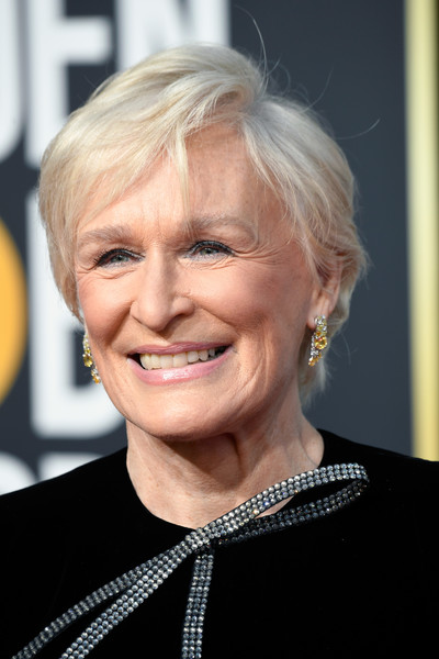 Glenn Close sported her usual short side-parted style at the 2019 Golden Globes.