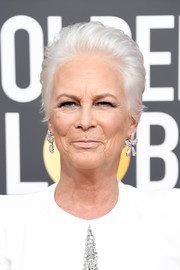Jamie Lee Curtis rocked a silver fauxhawk at the 2019 Golden Globes.