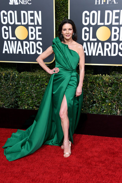 Catherine Zeta-Jones looked flawless in a sculptural strapless gown by Elie Saab Couture at the 2019 Golden Globes.