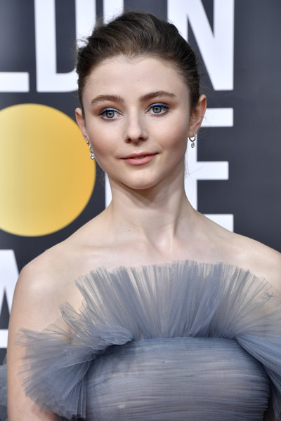 More Pics of Thomasin McKenzie Strapless Dress (2 of 10) - Dresses & Skirts Lookbook - StyleBistro [hair,face,hairstyle,beauty,skin,lip,fashion,eyebrow,shoulder,chin,arrivals,thomasin mckenzie,the beverly hilton hotel,beverly hills,california,golden globe awards,thomasin mckenzie,golden globe awards,fashion,celebrity,actor,beverly hills,photography,2020]