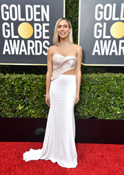 Kristin Cavallari went for modern glamour in a strapless cutout gown by Cristina Ottaviano at the 2020 Golden Globes.