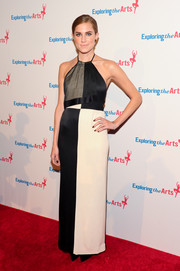 Allison Williams looked mod in a vintage nude and black Geoffrey Beene halter dress during the Exploring the Arts Gala.