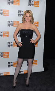 Carrie Keagan looked smoking in strapless black LBD for the WITNESS benefit.