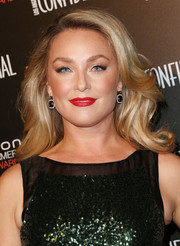Elisabeth Rohm topped off her look with a sultry red lip color.