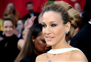 The stylish Sarah Jessica Parker displayed a killer pair of 19th century diamond earrings, which were a great fit for her elaborate bun.