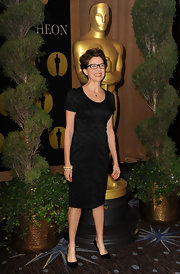 Annette was lovely in a sharp textured little black dress at the Academy Awards Luncheon.